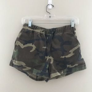Camo pull on shorts